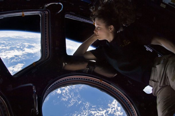 Astronaut Tracy Caldwell Dyson - Jessica Chastain's source of inspiration - gazing down onto Earth aboard the ISS. (Photo: NASA)